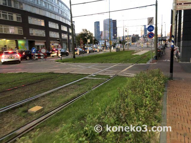 駅前のトラム路線