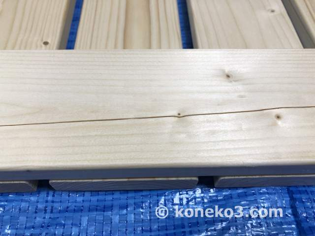 木材のひび割れ補修