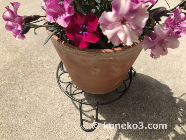 セリアの素敵な花台